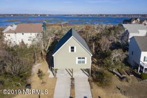 39 S Oak Drive, Surf City, NC 28445