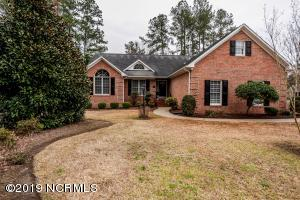 400 Bay Hill Court, New Bern, NC 28562
