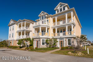 116 Salter Path Road, 202, Pine Knoll Shores, NC 28512