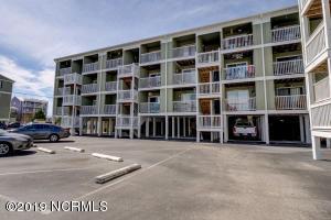 108 S Lake Park Boulevard, 306, Carolina Beach, NC 28428