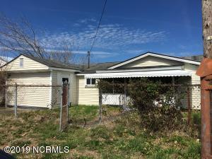 1502 Avery Street, Morehead City, NC 28557