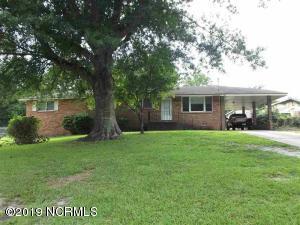 221 Regalwood Drive, Jacksonville, NC 28546