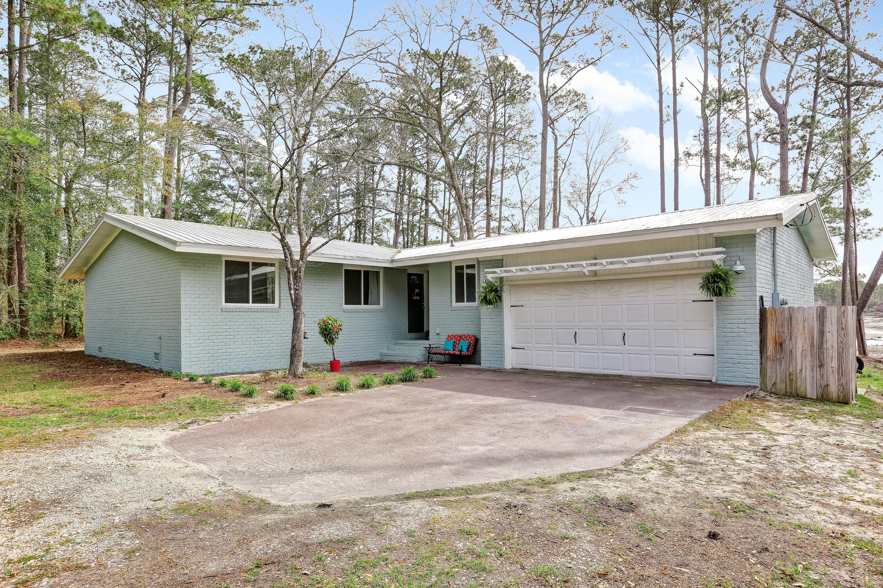 1470 N Shore Drive Southport, NC 28461