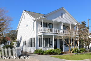 128 Ann Street, Beaufort, NC 28516