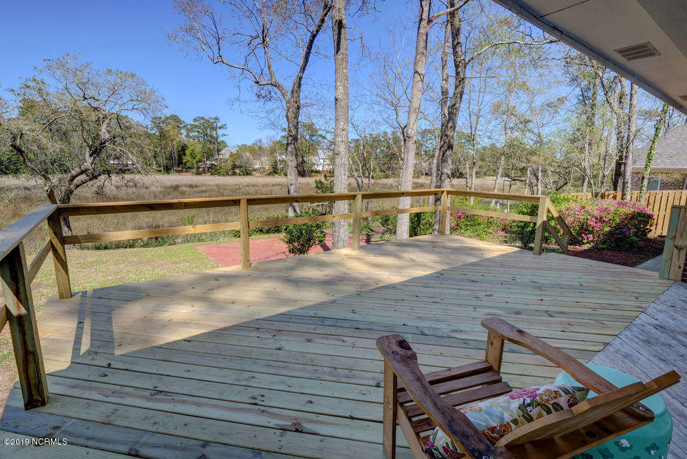 503 Crooked Creek Lane Wilmington, NC 28409