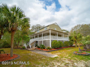 111 SW 27th Street, Oak Island, NC 28465