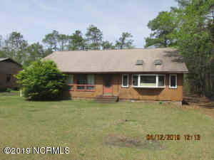 709 Swashbuckle Court, New Bern, NC 28560