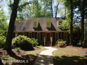 701 Cedarhurst Road, Greenville, NC 27834