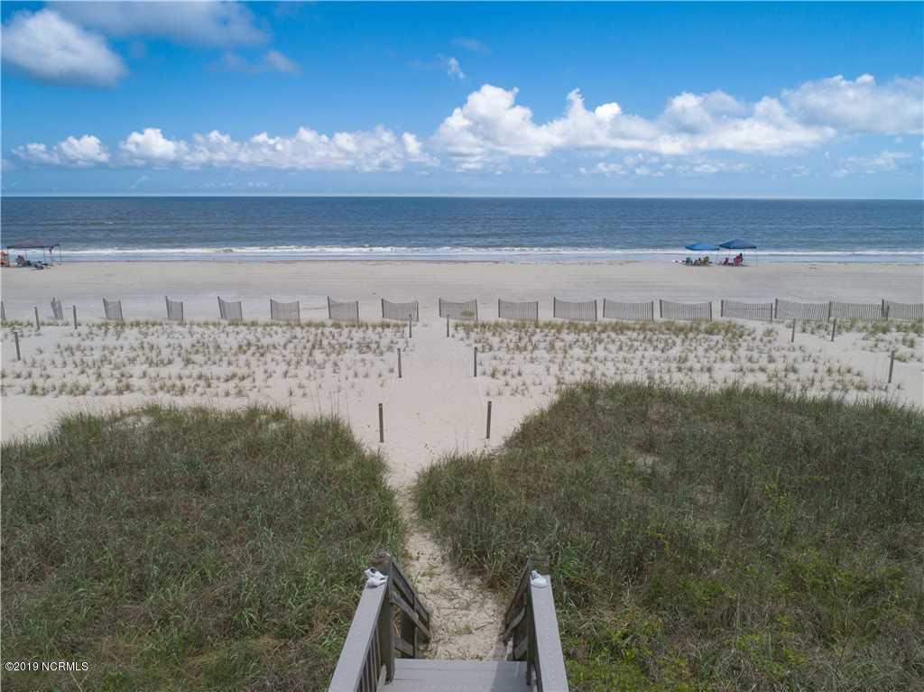 693 Ocean Boulevard Holden Beach, NC 28462