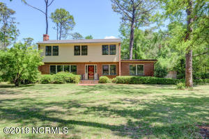 631 Colonial Drive, Wilmington, NC 28403