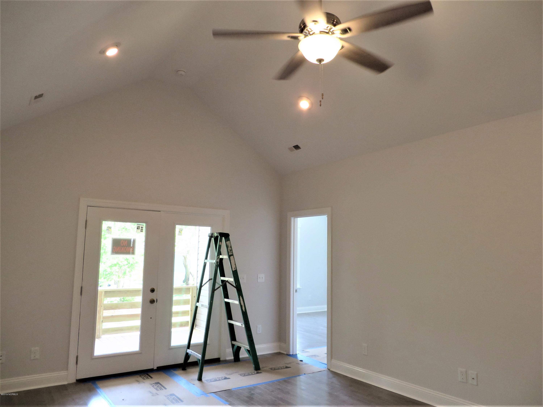105 SE 34TH Street Oak Island, NC 28465