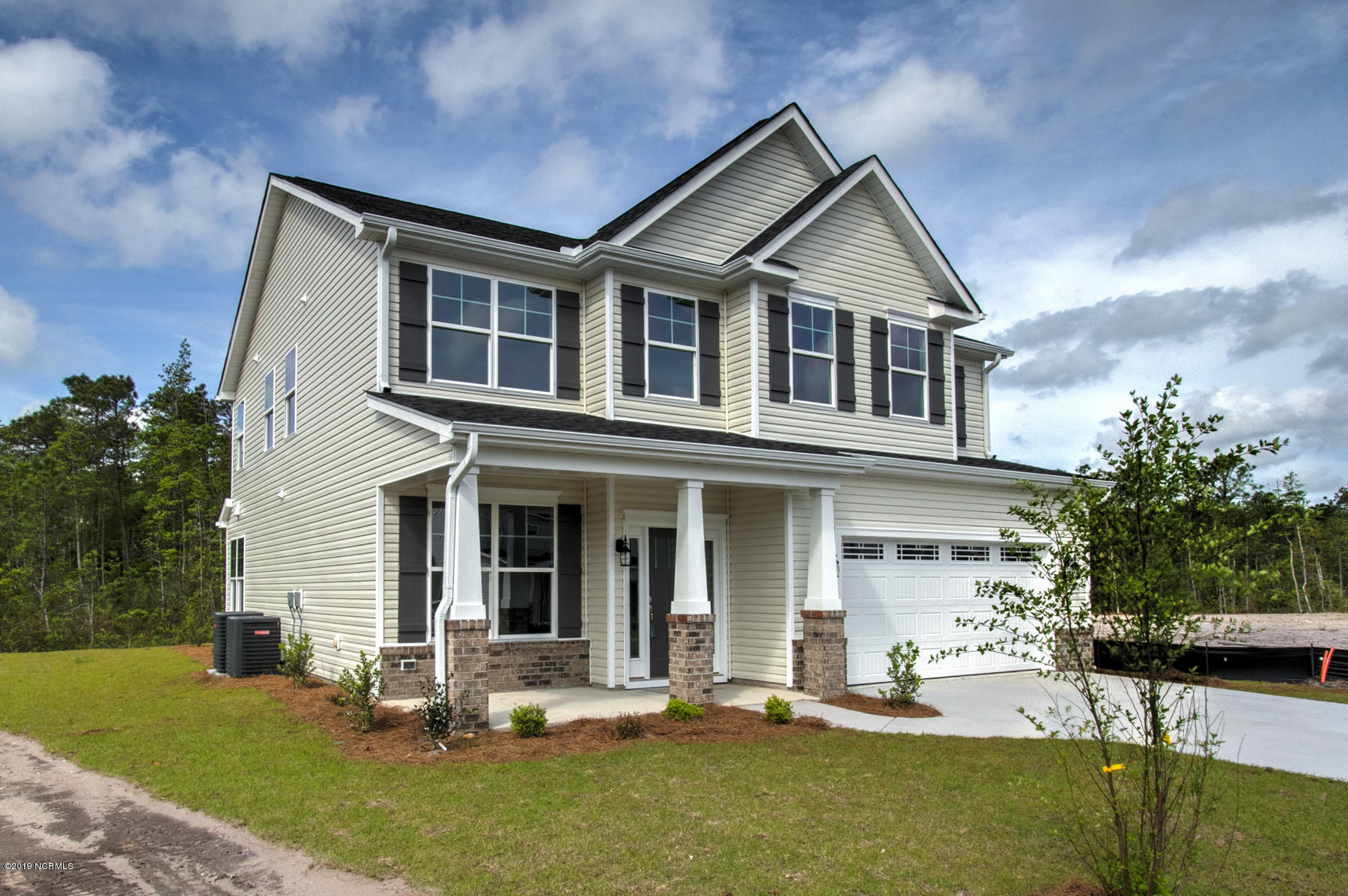 5092 W Chandler Heights Drive Leland, NC 28451