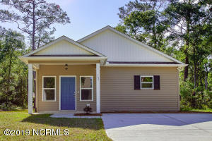 107 NW 28th Street, Oak Island, NC 28465