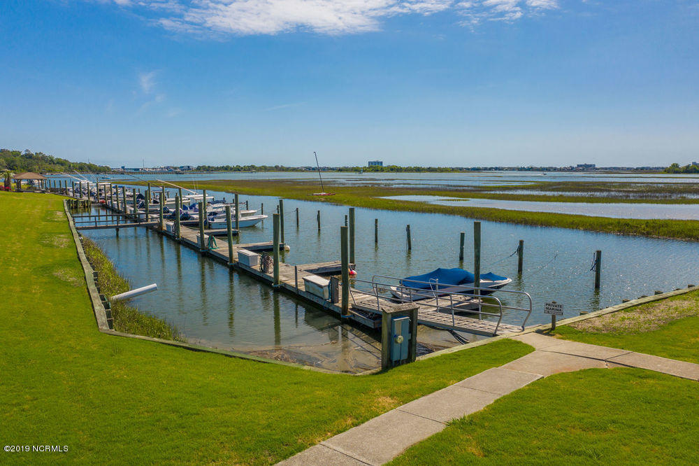 14 Oak Landing Road Wilmington, NC 28409