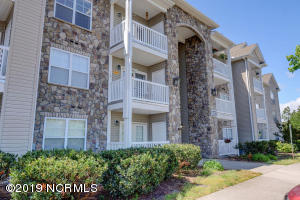 632 Condo Club Drive, 108, Wilmington, NC 28412