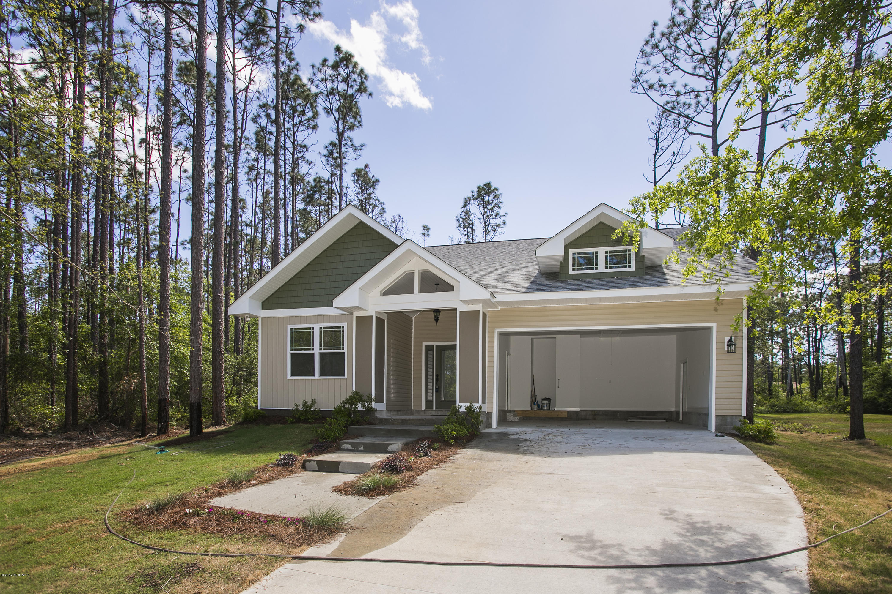 21 Cherry Road Southport, NC 28461