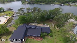 473 Chadwick Shores Drive, Sneads Ferry, NC 28460