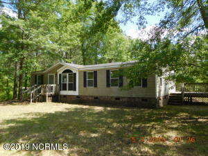 445 Luther Banks Road, Richlands, NC 28574