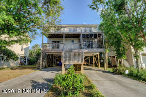 12 S Oak Drive, Surf City, NC 28445