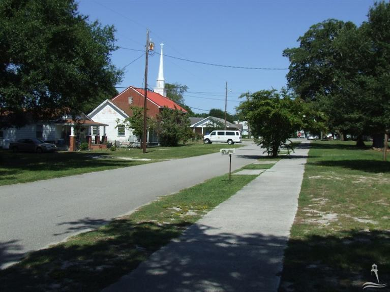 302 W St George Street Southport, NC 28461