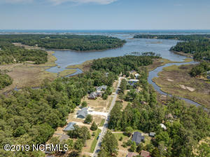 549 Groves Point Drive, Hampstead, NC 28443