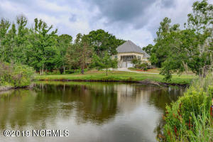524 Chadwick Shores Drive, Sneads Ferry, NC 28460