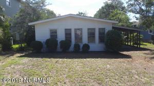412 Sherrill Avenue, Oak Island, NC 28465