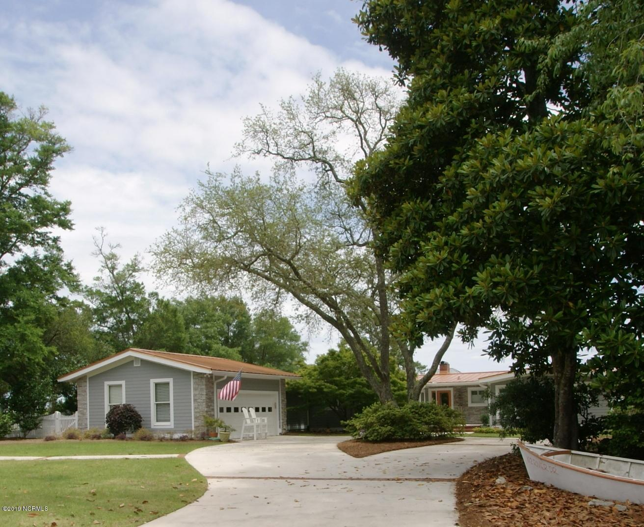 102 River Drive Southport, NC 28461