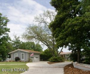 102 River Drive, Southport, NC 28461