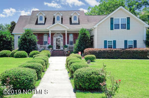 100 S Sea Lily Court, Hampstead, NC 28443