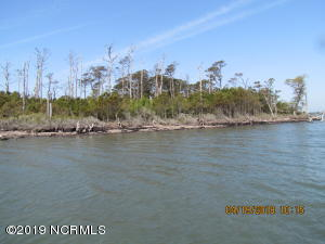 0000 Browns Island, Harkers Island, NC 28531
