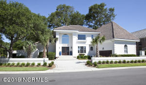 Gorgeous hardcoat stucco home with views of Intracoastal.
