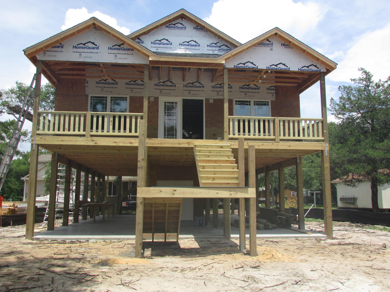 706 W Oak Island Drive Oak Island, NC 28465