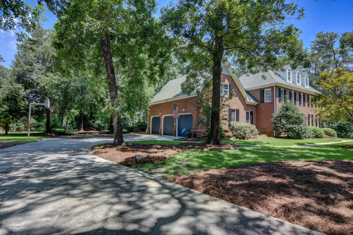 129 Middle Oaks Drive Wilmington, NC 28409