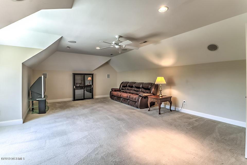 2121 Auburn Lane Wilmington, NC 28405