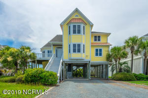 119 SE 67th Street, Oak Island, NC 28465