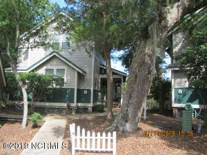 7 SABAL PALM COTTAGE WATERFRONT 3 BR 3 BA, NEW ROOF