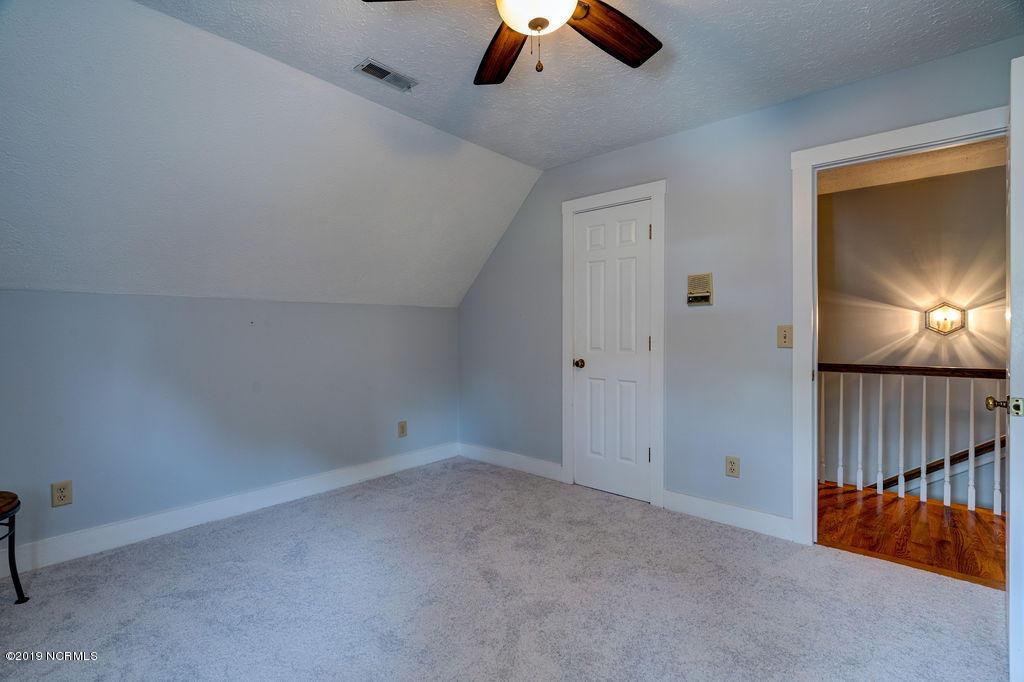8221 Bald Eagle Lane Wilmington, NC 28411