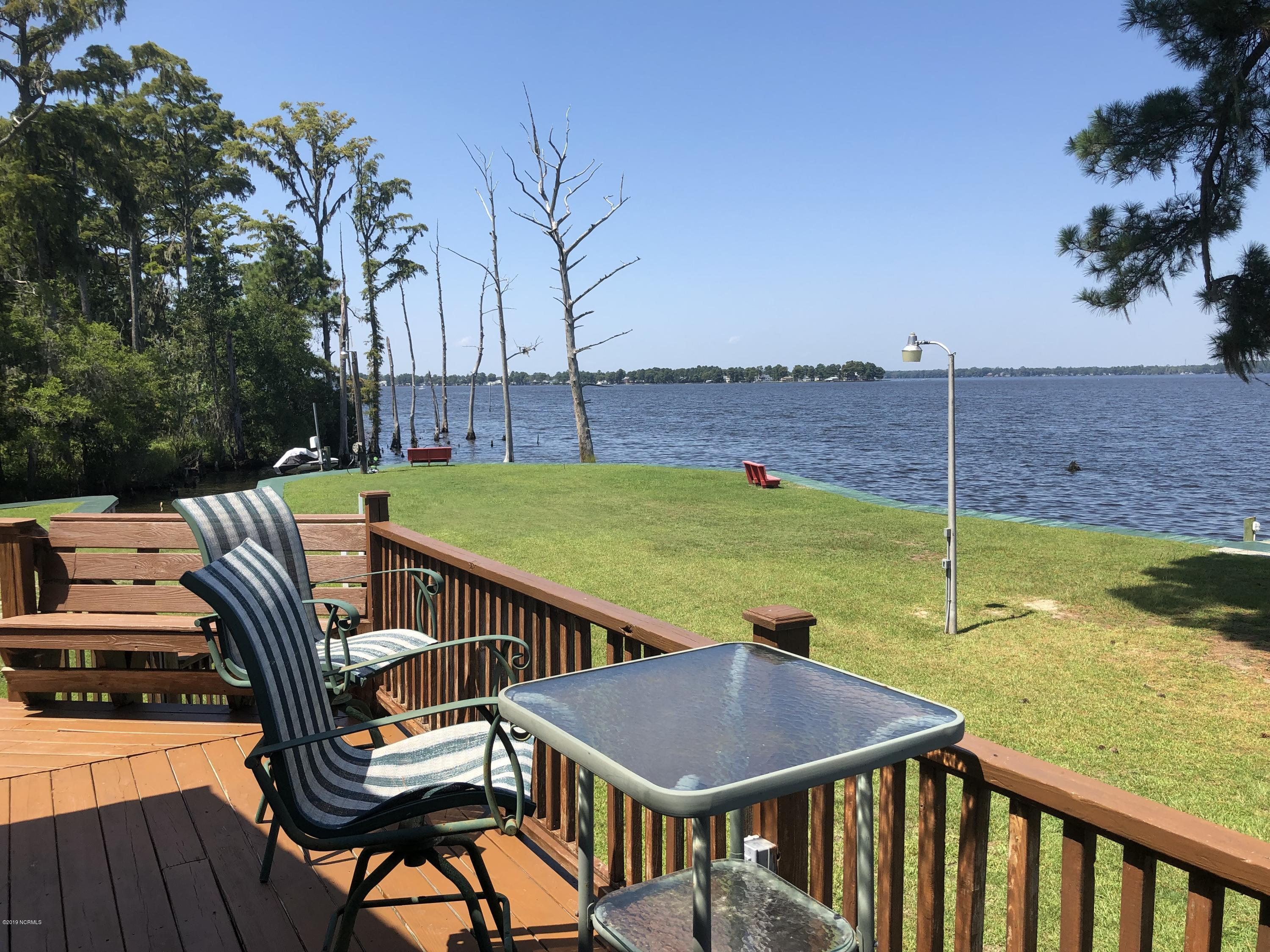 Property for sale at 1 Bay Drive, Chocowinity,  North Carolina 27817