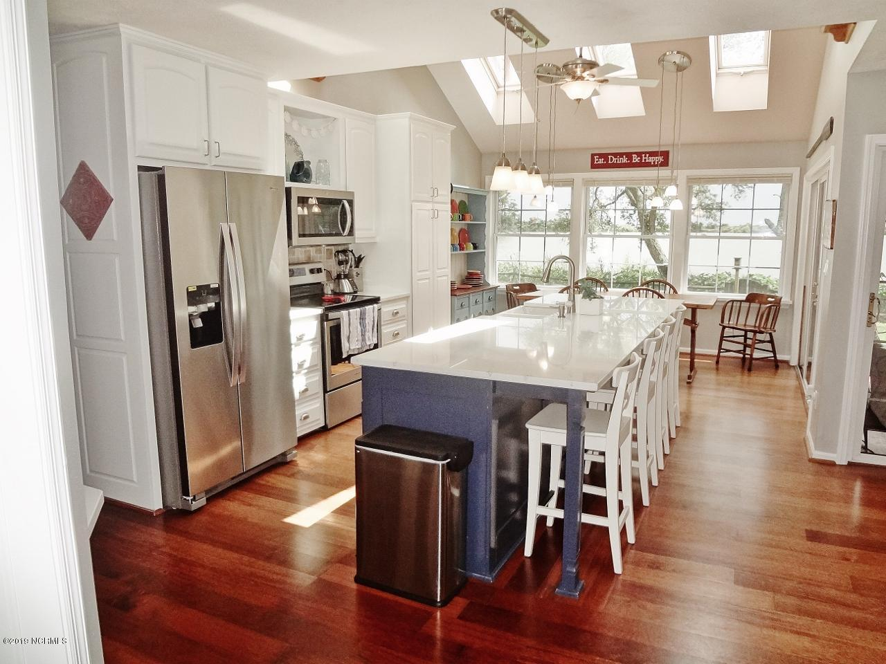 517 Lake Shore Drive Sunset Beach, NC 28468