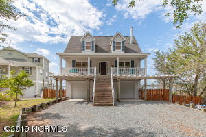 1039 Chadwick Shores Drive, Sneads Ferry, NC 28460