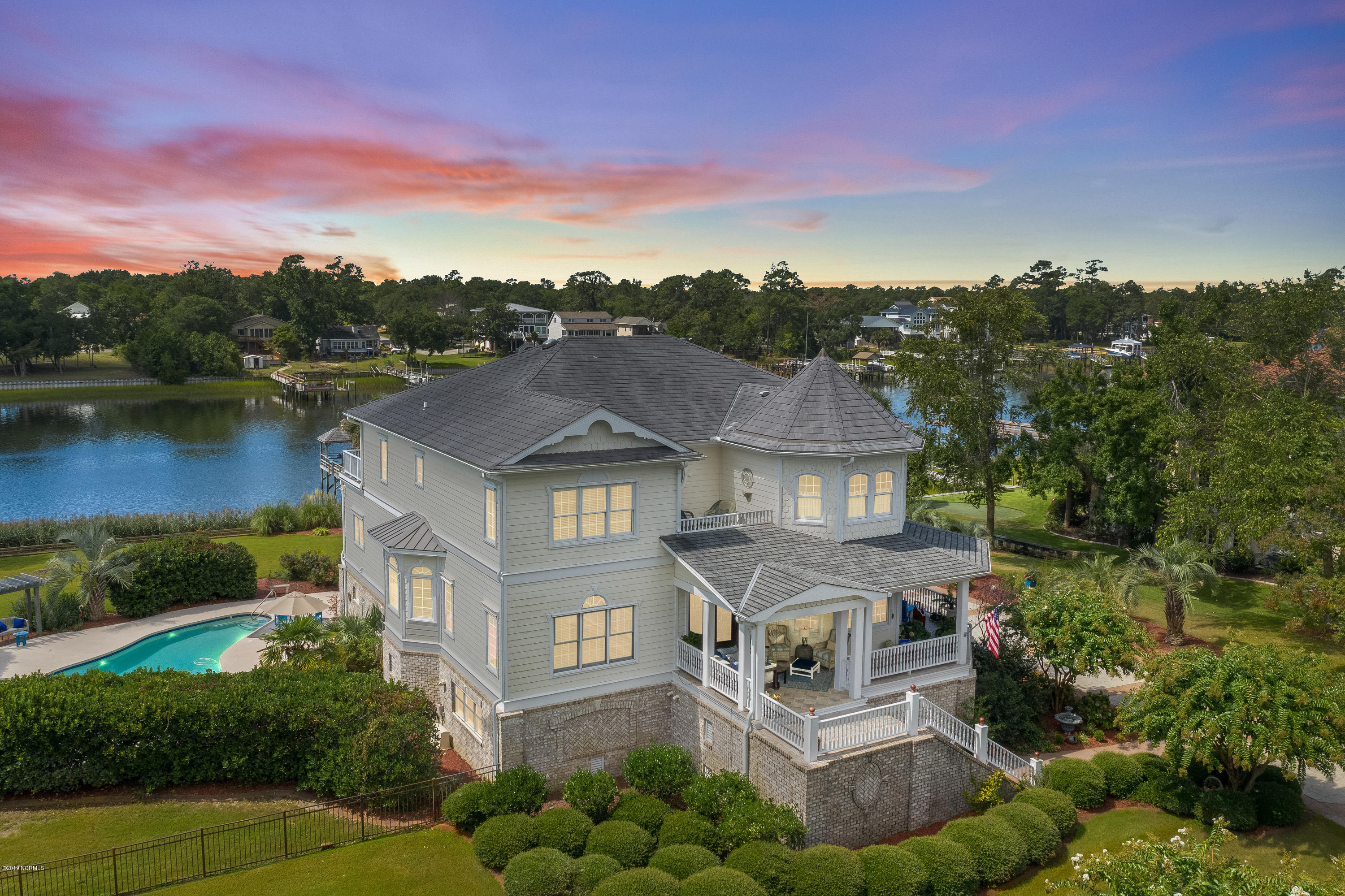 2769 Pinecrest Drive Southport, NC 28461