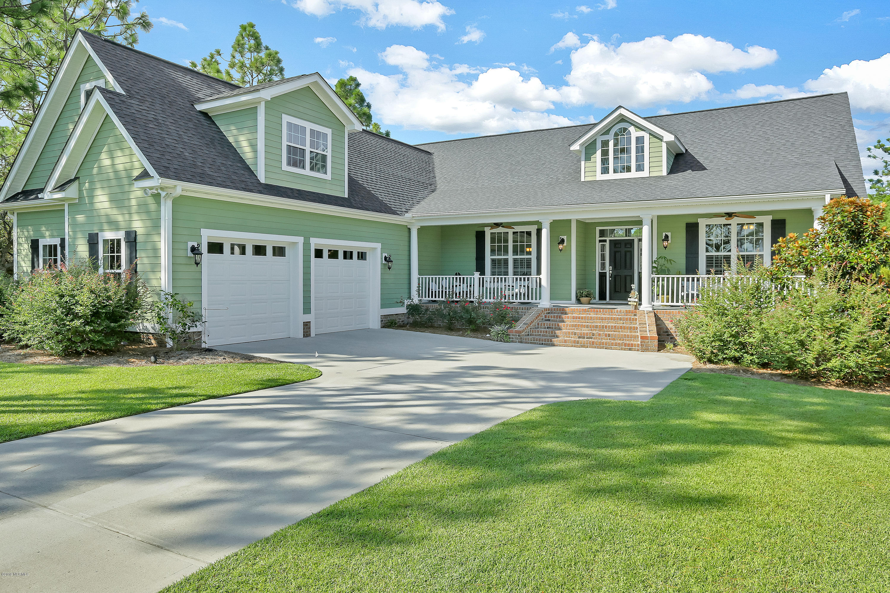 2746 Oak Forest Drive Southport, NC 28461