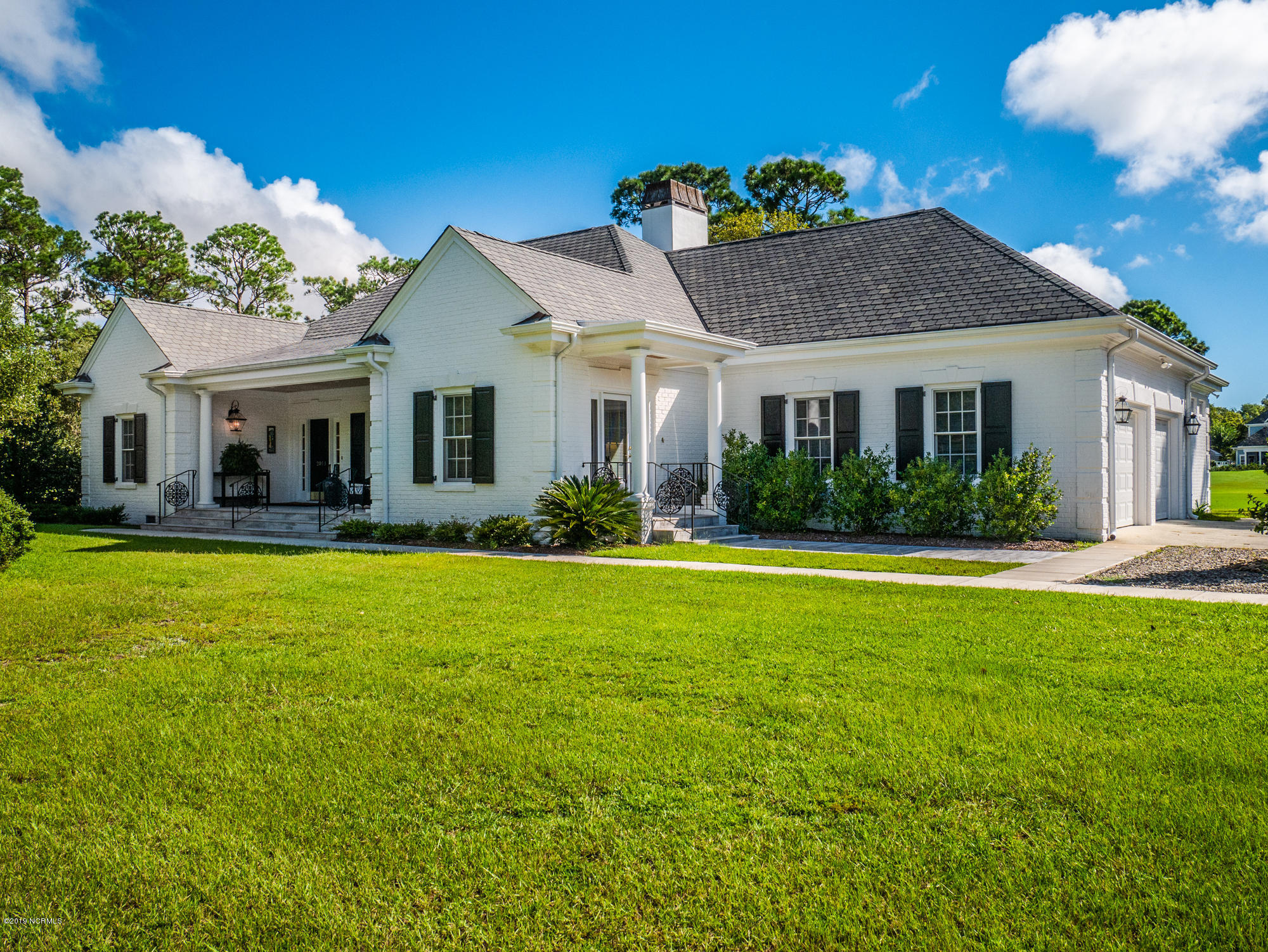 2011 Pembroke Jones Drive Wilmington, NC 28405