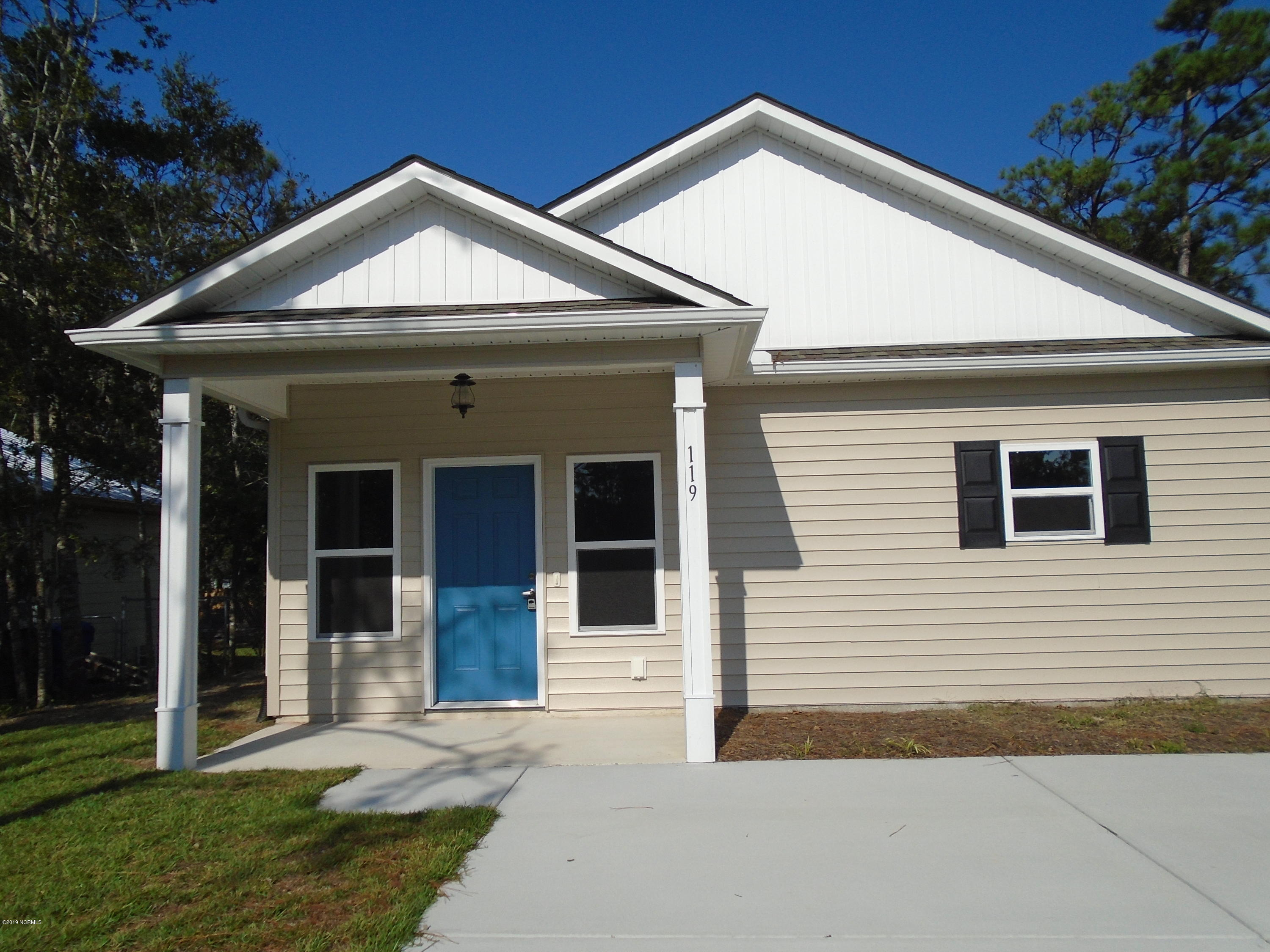 119 NE 11TH Street Oak Island, NC 28465
