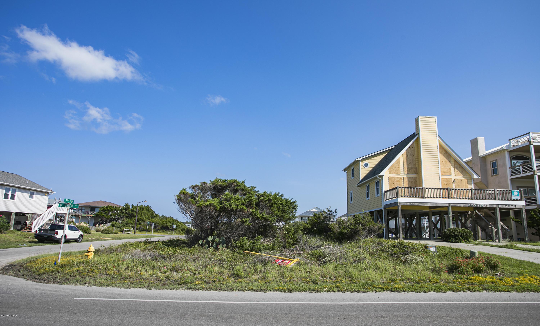 2530 W Beach Drive Oak Island, NC 28465
