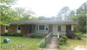 1054 Pleasant Grove Church Road, Bladenboro, NC 28320