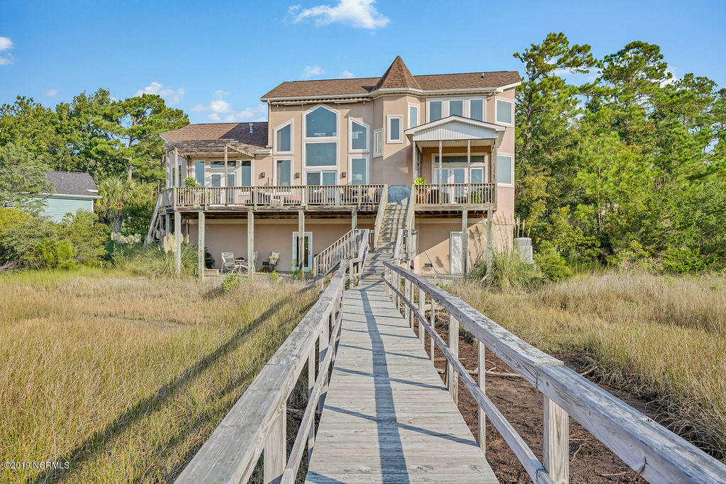 3315 Sparkleberry Court Southport, NC 28461