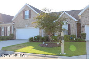 This beautiful town-home offers the conveniences of a home without the worry of continued maintenance. There are 3 bedrooms, 2 bathrooms, open floor plan, fenced private backyard, Carolina Room, Bonus Room and a two car garage.