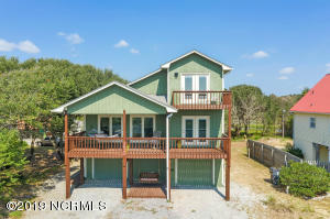 Elevated at one of highest points on the island, you will find gorgeous views and vistas from this rare find on Oak Island.